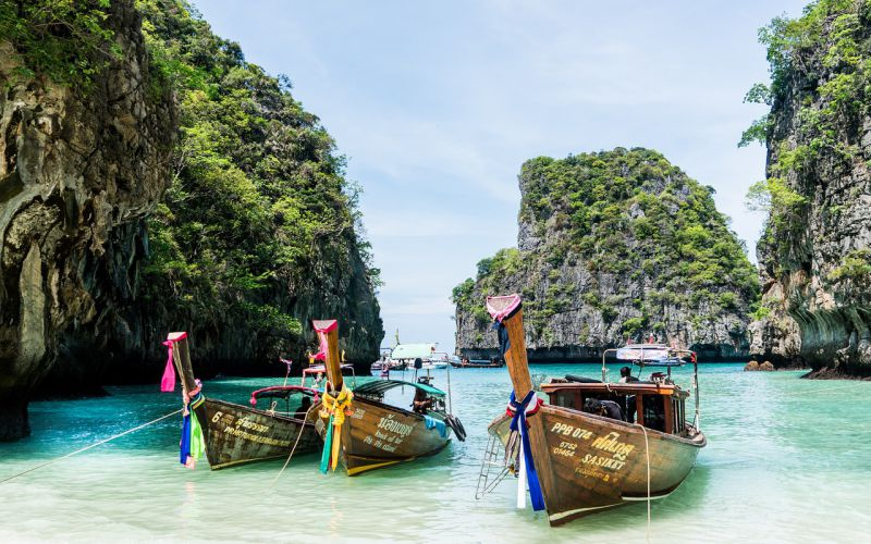 Who is coming to Phuket now?